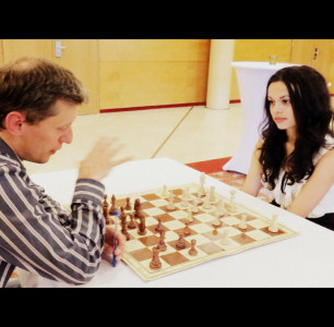GM ALMASI ZOLTAN showing me CHESS MOVES