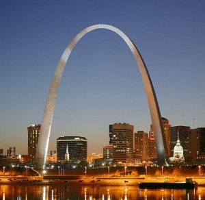 800px-St_Louis_night_expblend_cropped