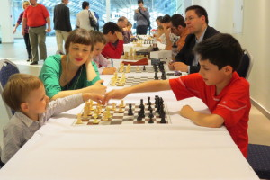 Teaching during the chess tournament